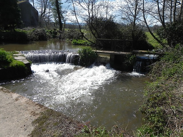 Kentsford Farm Weir
