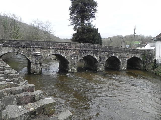 Dulverton Bridge downstream arches
