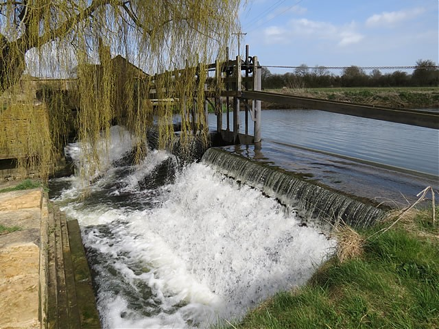 Carey's Mill weir